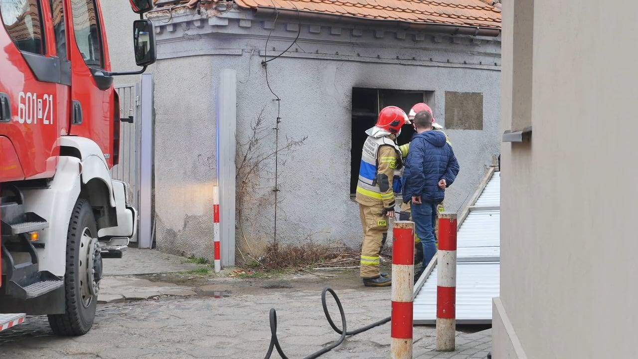 Pożar na Mickiewicza. Bezdomny zmarł w szpitalu